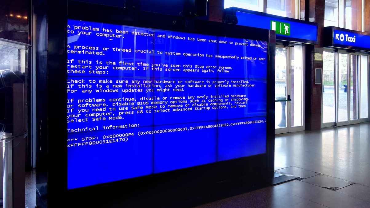 Help Your Clients Avoid These 7 Digital Signage Content Mistakes